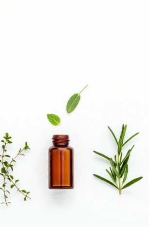 21 Best Essential Oils for Sleep and Anxiety
