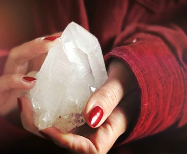 Beautiful Quartz Crystal. For beginners interested in meditating with healing crystals. Start using crystals in your meditation for inner peace and well being.